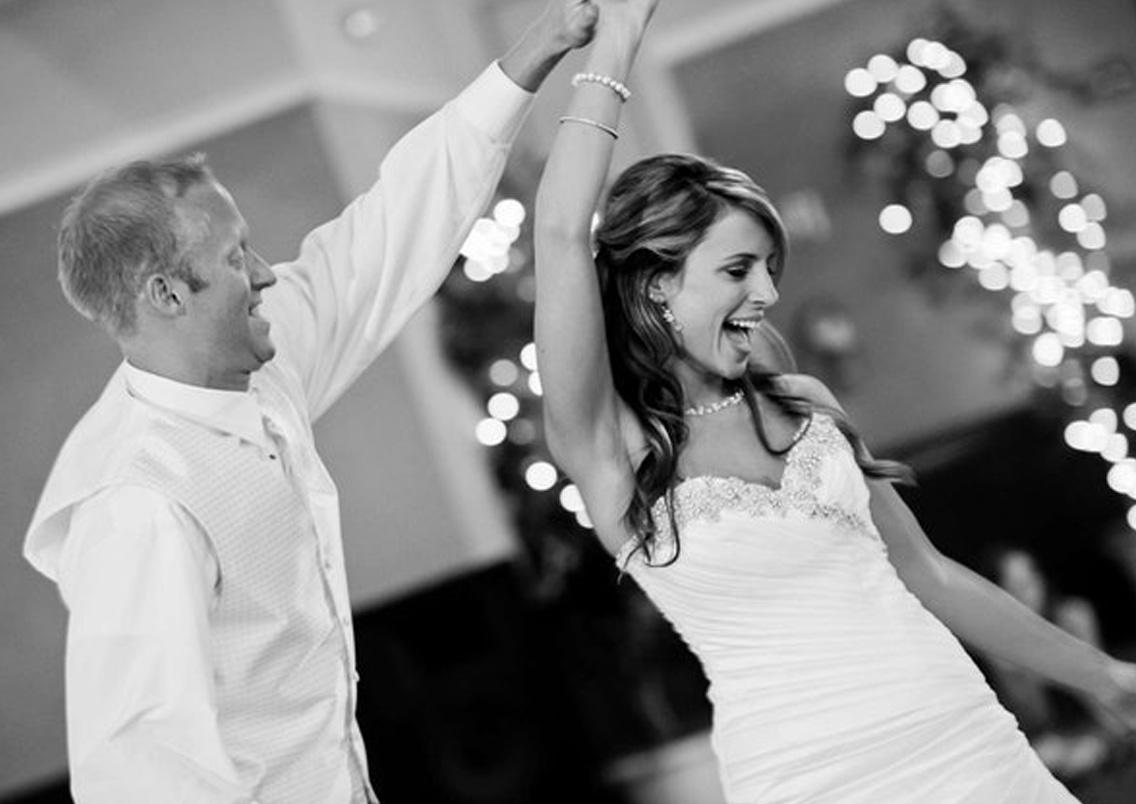 Hochzeitssängerin zum Hochzeitstanz